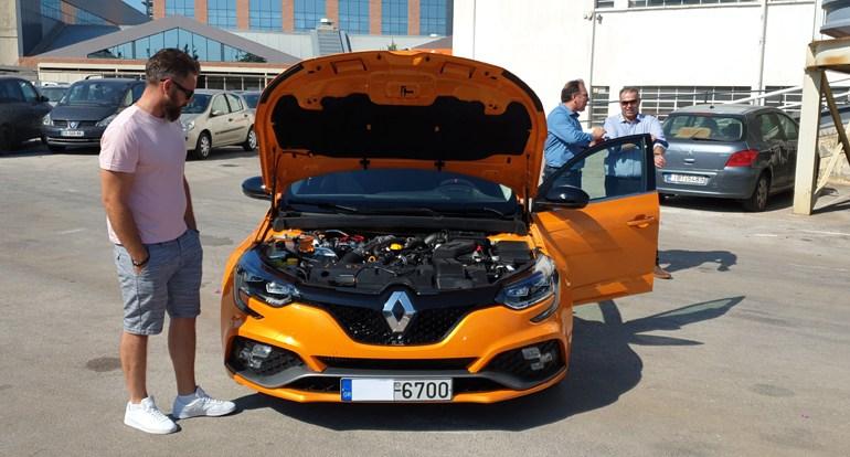 Ο κινητήρας βενζίνης έχει χωρητικότητα 1.798 κ.εκ., αποδίδει 280 ίππους και παράγει 390Nm ροπή...